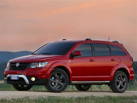 Fiat Freemont Cross Is a Dodge Journey Crossroad Look