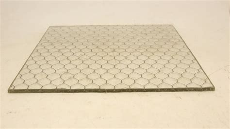 Glas Mit Draht by 1920s Clear Hammered Chicken Wire Glass For Sale At 1stdibs