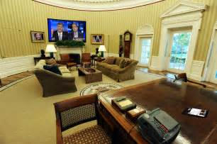 in oval office you trump s gonna install a flatscreen in the oval