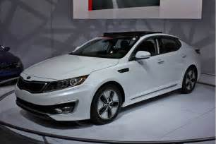 How Much Is A Kia Optima 2011 Kia Optima Hybrid To Cost 26 500 Less Than Camry