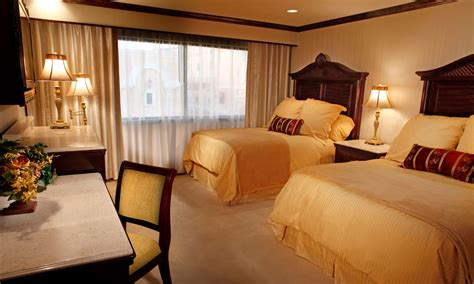 reno hotel rooms west wings peppermill reno hotel resort
