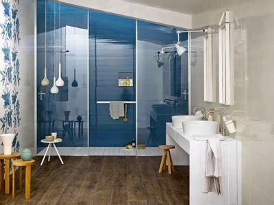 ricoprire piastrelle bagno coprire piastrelle bagno resina infissi bagno in bagno