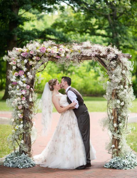 Wedding Arbor Decor by Wedding Arbor Decor For Any Theme Fiftyflowers The