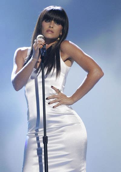 by her latest artwork it appears that nellys thicky thick girl nelly furtado performed at ama