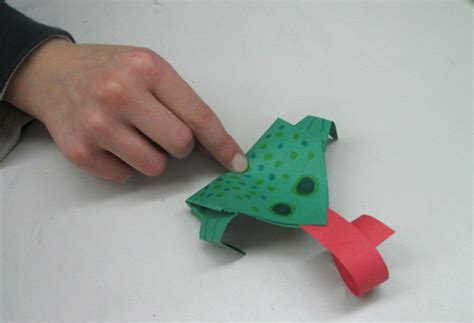 Hopping Origami Frog - buddy mentoring program connects grade levels inspired class
