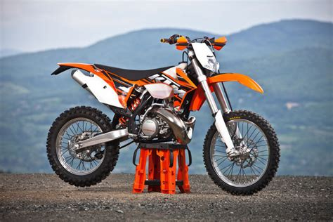 Ktm 300 2 Stroke 2013 Ktm 300 Exc Motorcycle Review Top Speed