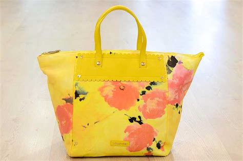 Bag A Bargain With This Flower Set by La Forza Giallo Carpel Shop