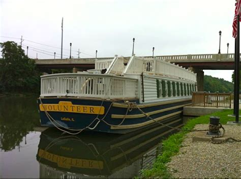 river boat rides chicago il the prairie stater i m canal replica canal boat rides in