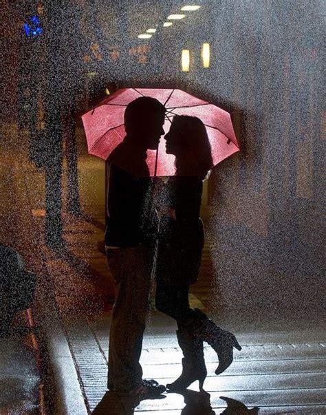 couple wallpaper with umbrella romantic couple in the rain art lovers in art pinterest