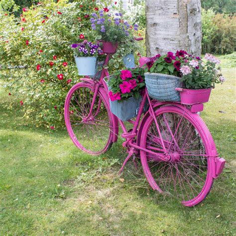 Bicycle Flower Planter by 20 Amazing Diy Projects To Enhance Your Yard Without