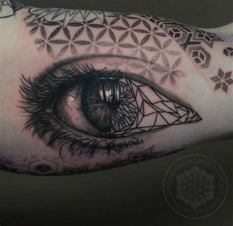 geometric realism tattoo amazing geometric realistic eye tattoo venice tattoo art