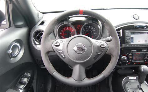 nissan juke interior 2013 nissan juke nismo quick drive motor trend