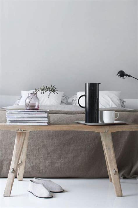 Bankje Voor Bed by Trendy Calming Minimalist Bedroom Inspiration Moodboard