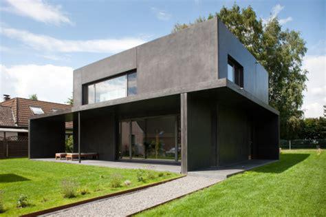 sichtbeton haus haus meyer in gro 223 munzel kleines schwarzes aus beton
