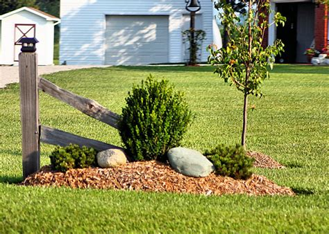 simple landscaping pictures and ideas