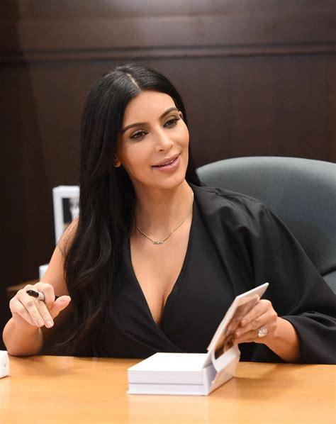 kim kardashian book selfish kim kardashian selfish book signing 01 gotceleb