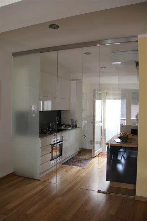 parete divisoria cucina soggiorno vetreria roberglass