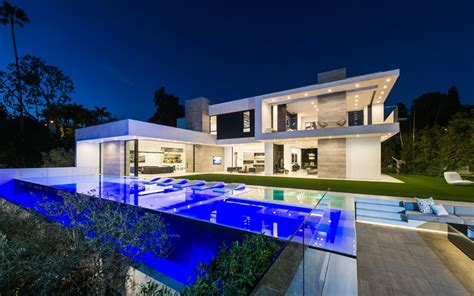 Coole Outdoor Möbel 329 by A Beverly Contemporary Home Goes On The Market