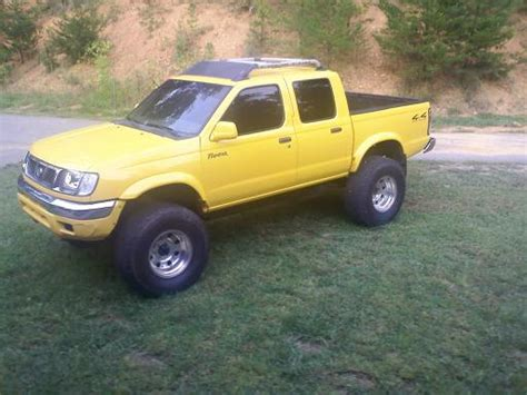 2000 nissan frontier lifted 2000 nissan lifted frontier 12 000 possible trade