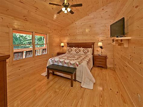 11 bedroom cabins in gatlinburg pigeon forge cabin splash mansion 11 bedroom sleeps 40
