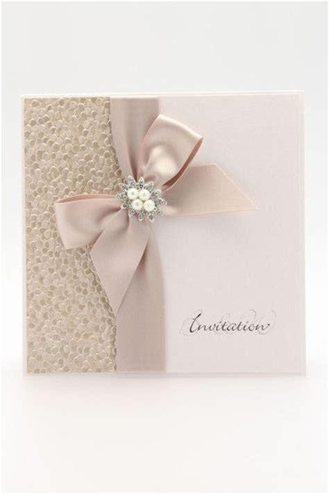 comunion 2017 tendencia en invitaciones las 25 mejores ideas sobre cajas para tarjetas de boda en disenos variados invitaciones modernas 15 anos 21 ideas para fiestas de quincea 241 era