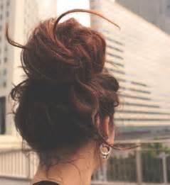 How to do a messy bun with long hair 4 bun styles