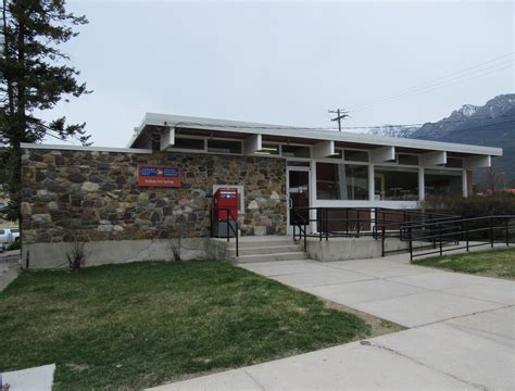 Columbia Post Office by Canada Post V0a 1m0 Radium Springs