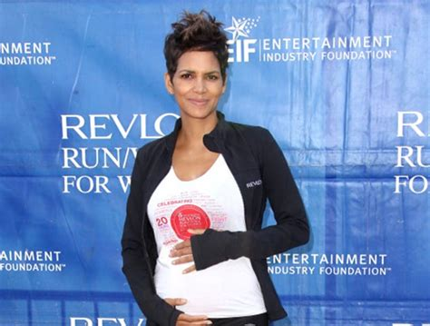 Trending Today Halle Berry The Story by To Be Halle Berry Hosts Charity Walk Indiatoday