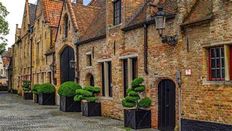 customs  traditions  belgium globelink blog