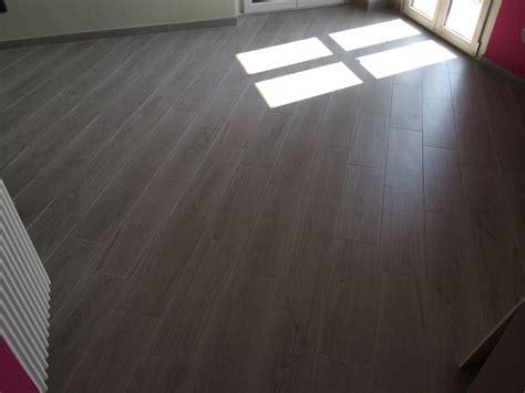 posa di pavimenti foto posa e fornitura di pavimento effetto legno di 3g