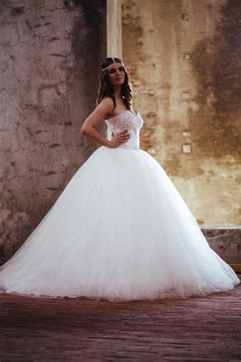 Türkische Brautkleider by Neu Bei Crusz Izmir Bridal Hochzeitskleider Crusz Brautblog