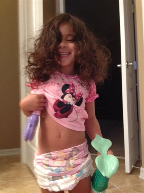 little girl wearing huggies pull up diapers little girls in pull ups images usseek com