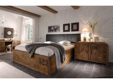 nachttisch hoch für boxspringbett schlafzimmer rustikal