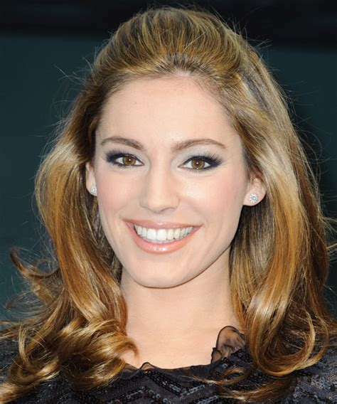 Kelly Brook Hairstyles for 2017   Celebrity Hairstyles by
