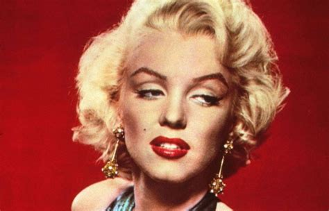 biography movie about marilyn monroe the myth of marilyn marilyn monroe biography the myth