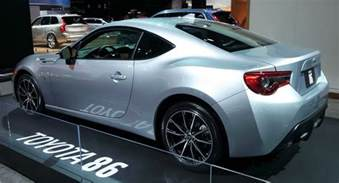 Difference Between Subaru Brz And Toyota 86 2017 Subaru Brz Vs 2017 Toyota 86 Which One Do You Like