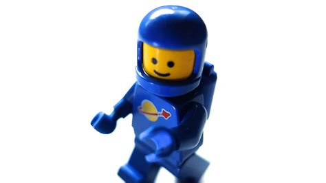 Lego Astronot what is business design and why is it the most important