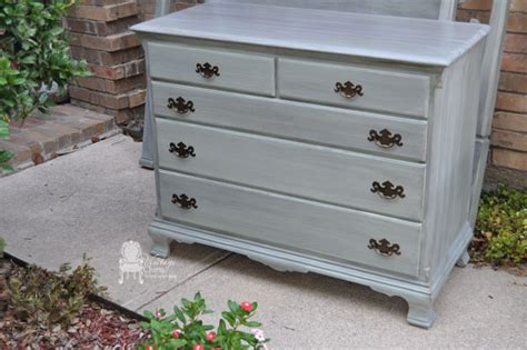 Distressed Bedroom Dressers Distressed Gray Bedroom Furniture Regarding Gray Distressed Dresser Rinceweb