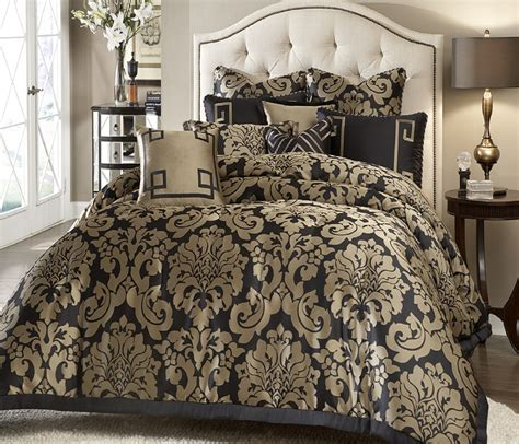 Black And Gold Comforters by Black And Gold Bedding Sets For Adding Luxurious Bedroom