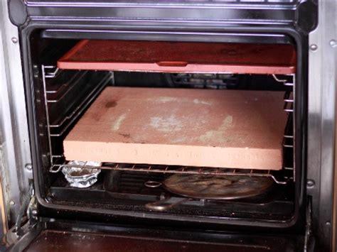pizza nel forno di casa forno elettrico o forno a legna per la cottura della pizza