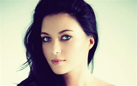 black hair and blue eyes download wallpapers download 2560x1600 women blue eyes