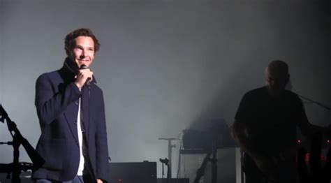 who sings comfortably numb benedict cumberbatch sings comfortably numb with pink