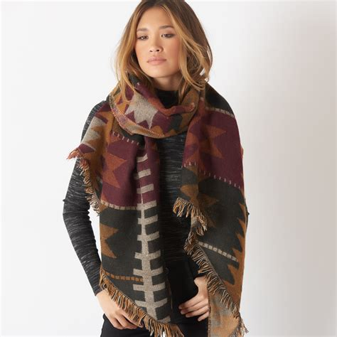 5 ways to wear a blanket scarf molly pearl