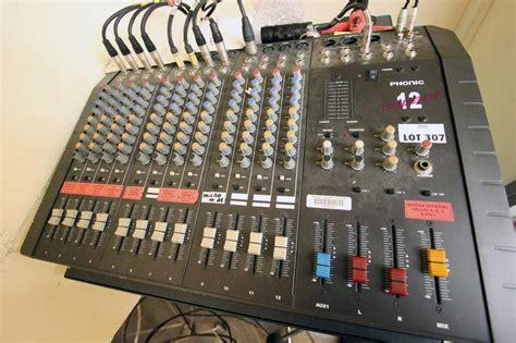 table de mixage professionnelle de marque phonic modele