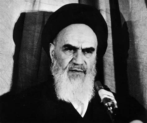 leadership biography exle ruhollah khomeini biography exile revolution facts