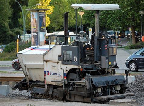 asphaltieren firmen kleinerer stra 223 enfertiger typ der baufirma eurovia beim