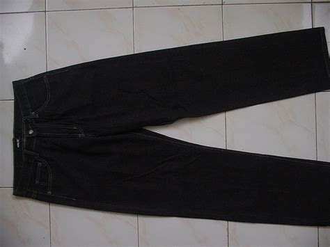 Donat Rp 300 000 selvage denim hardly s 30 34 pepe 32 32