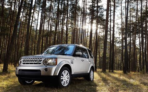 Land Car Wallpaper Hd by Land Rover Car In Jungle Hd Wallpaper Hd Wallpapers