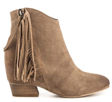 fall boots for 10 on trend ankle boots for fall s ankle boots