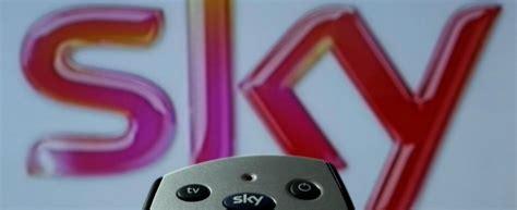 sky sede roma sky italia profitti in crescita chiude sede di roma